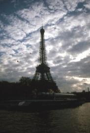 Paris_EiffelTower_dusk (432x640)