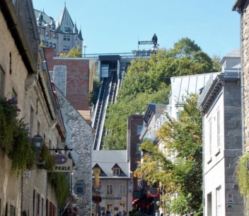 Funicular connecting Lower Town and Upper Town