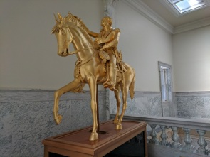 Capitol Bldg, Washington statue