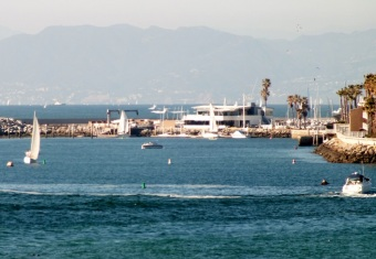 RB Pier .. Santa Monica mtns in background