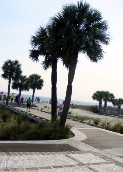 5 walkway_to_beach