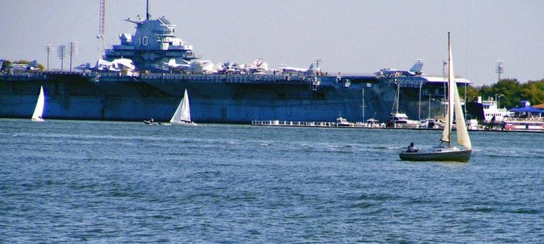 USS_Yorktown_docked_in_MountPleasant