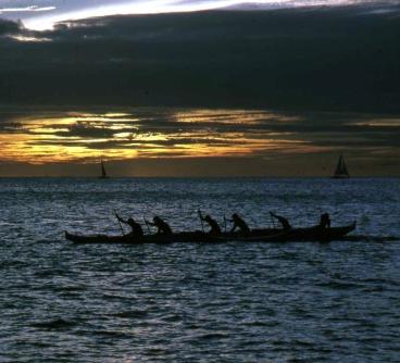 Boat_HNL_sunset