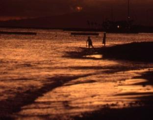WaikikiBeach_Sunset