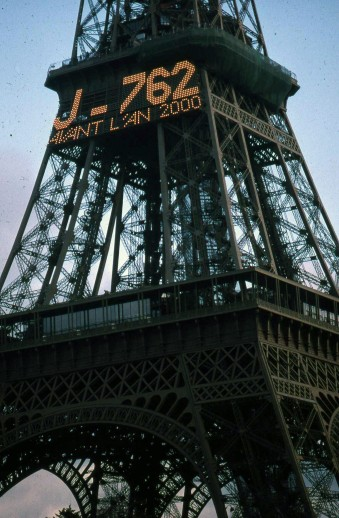 eiffeltower_2000-762days
