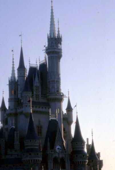 Castle_TYO_Disneyland1