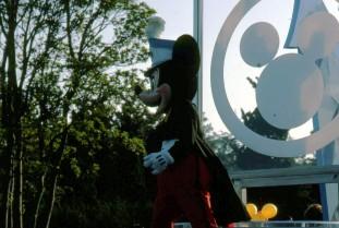 Disneyland_TYO_Mickey_Parade